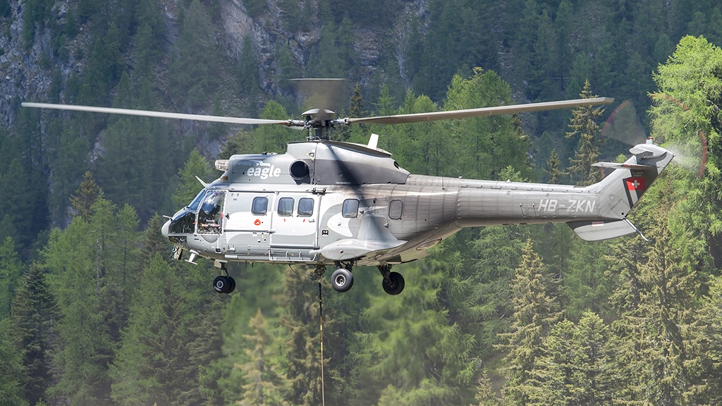 EUROCOPTER AS-332 SUPER PUMA
